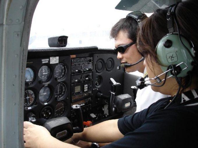 關島自行操縱飛機