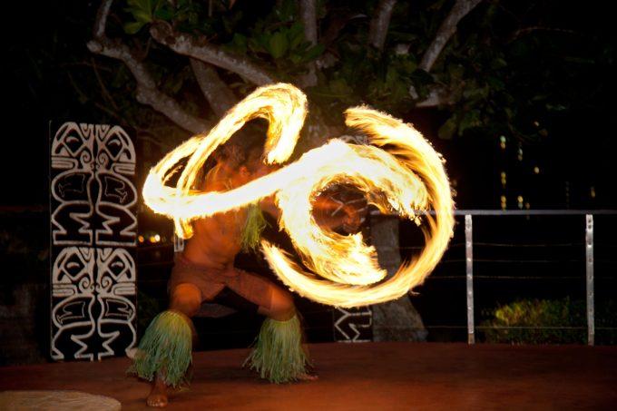 關島希爾頓飯店晚餐秀Tropics BBQ